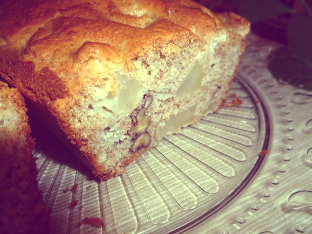 Bizcocho de queso azul, peras y nueces. Bizpireta